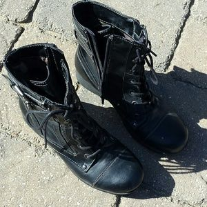 Guess Black Combat Boots GG Bruze, size 8